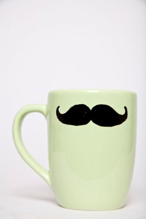 moustache_mug