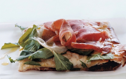 Pizza with Fontina, Prosciutto and Arugula