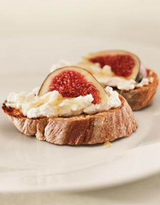 Ricotta, Fig & Honey Crisps