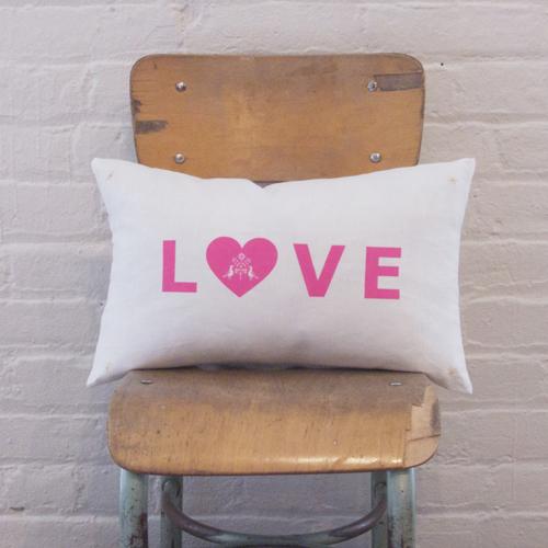 Atsuyo et Akiko Love Letter Cushion